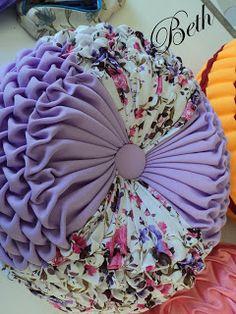 modelos de almofadas feita em ponto capitone.   alguns valores podem modificar dependendo do tamanho que deseje a almofada e escolha de te...