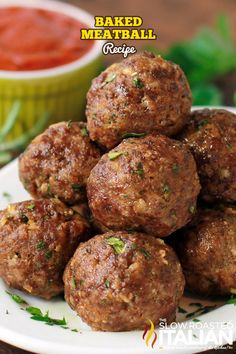 This baked meatball recipe is the best for creating juicy meatballs in the oven! Skip the mess of pan frying and make this recipe instead! Sauce Recipes, Meat Recipes, Cooking Recipes, Healthy Recipes, Meatball Bake, Meatball Recipes, Best Baked Meatball Recipe, Meatballs Recipe Video, Oven Baked Meatballs
