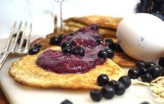 Hälsosamma grötpannkakor med nyttig blåbärssylt. Starta dagen bra är väldigt viktigt. Här har du riktigt goda nyttiga pannkakor som är perfekt till frukost.