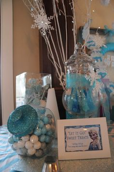 Food/treat ideas, etc Frozen Birthday Party, 6th Birthday Parties, Frozen Party, Frozen Cake, Birthday Ideas, Frozen Candy Table, Frozen Baby Shower, Frozen Decorations, Table Decorations