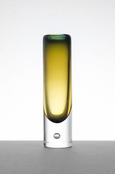 Vicke Lindstrand glass vase at Studio Schalling