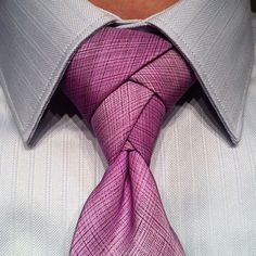 The Eldredge Knot.I have to admit this knot is pretty cool and different. A tie knot that will have people lining up just to look at you. Watch the video and see how it's done.