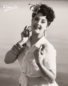 Wilhelmina Af Fera, Photo by Maria Kimalle #pinup #vintage #portrait #blackandwhite