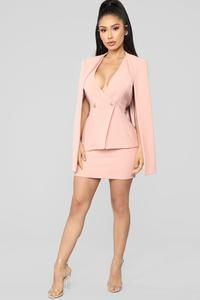 Shop matching sets for women, two piece outfits with pants, shorts and skirts and cute co-ord sets for work-worthy looks, dynamite daytime styles and knock-out night ensembles. Office Dresses For Women, Suits For Women, Dresses For Work, Sexy Dresses, Beautiful Dresses, Short Dresses, Look Fashion, Fashion Outfits, Curvy Fashion