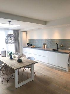 50 Best Modern Kitchen Design Ideas - The Trending House Kitchen Interior, New Kitchen, Interior Design Living Room, Kitchen Ideas, Room Kitchen, Kitchen Corner, Interior Livingroom, French Kitchen, Awesome Kitchen