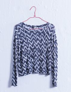 This shirt is the best idee its cool but ceeps you warm and you can were it over your swimming costume Swimming Costume, Aztec, Soda, Bell Sleeve Top, Warm, Costumes, Cool Stuff, Blouse, Shirts
