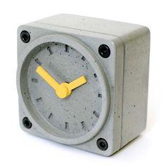 Concrete alarm clock   Betonklok / wekker