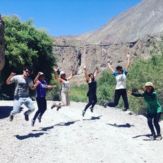 A #jumpshot with more than two people is kind of difficult but the #teamarequipa tried it so many times. This pic was taken after our visit to the Sipia waterfall in the fabulous Cotahuasi canyon in Arequipa.  #arequipa #peru #adventure #waterfall #canyon #nature #friends #placeok #travellers #travelbloggers #travelblog #travelinspector #travel #happy #bestoftheday #igers #amazing #followme #like4like #repost #instagood #instamood #fun