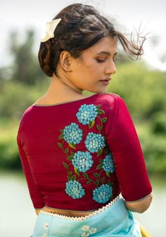 Embroidery Blouses, Embroidery Neck Designs, Embroidery Stitches, Modern Blouse Designs, Bridal Blouse Designs, Dress Indian Style, Indian Outfits, Fabric Painting, Fabric Art