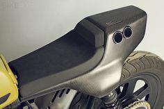 The Pantah is a personal ride of custom bike maker Jens vom Brauck. The cafe racer was designed to look like a Ducati prototype from the The carbon Ducati Pantah, Moto Ducati, Honda Cb750, Yamaha, Bobber Custom, Custom Motorcycles, Custom Bikes, Concept Motorcycles, Indian Motorcycles