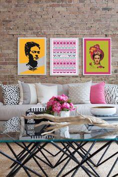 Há 110 anos, nascia a pintora Frida Kahlo. Sua imagem e obra tornaram-se tendência de decor. Não é a toa que ela faz to parte de ambientes de todo o mundo, trazendo uma atmosfera de energia toda especial. Essa sensação de criatividade e bem-estar agora pode estar em sua casa há um clique. A Frida Kahlo Art é a nova parceira Montacasa e a única licenciada no Brasil pelo Instituto FK para comercialização de obras do acervo da artista. Todas as obras acompanham selo de autenticidade homologado.