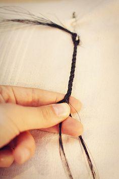horsehair bracelet: tutorial                                                                                                                                                                                 More