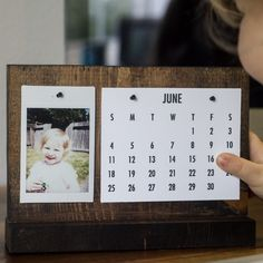 How to Make a Modern Desk Calendar | Perfect Father's Day Gift!