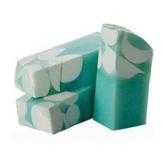 Snow Globe Seife - inspiriert von einer Schneekugel, duftet frisch und klar, ideal für kühle Winterzeiten.
