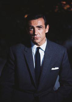 Sean Connery in James Bond, Toujours Sean Connery James Bond, James Bond Actors, Photo Star, La Mode Masculine, Daniel Craig, Raining Men, Old Hollywood, Classic Hollywood, Dapper