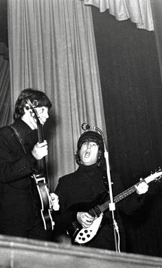 The Beatles Live, Lennon And Mccartney, The Fab Four, Great Bands, John Lennon, Rock Bands, Porn, Concert, Music