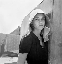Dorothea Lange: Young Migratory Mother, originally from Texas, Edison, California, 1940Young migratory mother, originally from Texas. On the day before the photograph was made she and her husband traveled 35 miles each way to pick peas. They worked 5 hours each and together earned $2.25. They have two young children . . . Live in auto camp. Photograph by Dorothea Lange for the Division of Economic Information, Bureau of Agricultural Economics, Edison, Kern County, California, April 11, 1940.