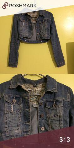 Jean jacket Super cute Jean jacket, in perfect condition Dollhouse Jackets & Coats Jean Jackets