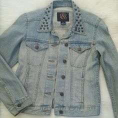 Rock & Republic Denim Studded Jacket Condition: Excellent, lightly worn 100% cotton Style: Hitchiker  Made in Bangladesh 2 button and slip front pockets. Subtle distressing and light fade. NO TRADES!! Rock & Republic Jackets & Coats Jean Jackets