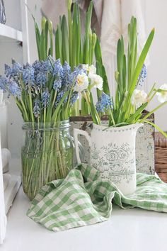 VIBEKE DESIGN: Smakfulle vårblomster! This whole post had me swooning for spring. Check it out!