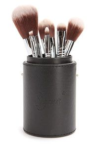 Sigma Mr. Bunny Travel Kit Brush Collection at Lulus.com!