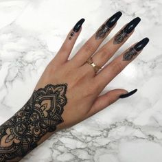 pattern tattoos meaning Mandala Hand Tattoos, Henna Tattoo Hand, Henna Tattoo Designs, Rihanna Hand Tattoo, Tattoo Ideas, Henna Mandala, Dope Tattoos, Body Art Tattoos, Tribal Tattoos
