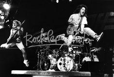 Eddie Van Halen 'Jumps' with Michael Anthony Van Halen 2, Eddy Van Halen, Van Halen 5150, Alex Van Halen, Van Hagar, Have A Nice Trip, John Bonham, Will And Grace, Stevie Ray Vaughan