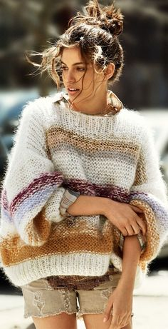 Shiloh Malka Sports Sweaters for Glamour France by Hilary Walsh Mohair Sweater, Knit Cardigan, Big Sweater, Knit Fashion, Look Fashion, Fall Fashion, Fashion Tag, Fashion Mode, Petite Fashion