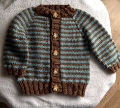 Ravelry: Project Gallery for Little Coffee Bean Cardigan pattern by Elizabeth Smith Baby Cardigan Knitting Pattern, Baby Boy Knitting, Knitted Baby Cardigan, Knit Baby Sweaters, Knitting For Kids, Baby Knitting Patterns, Baby Patterns, Knitting Stitches, Baby Boy Sweater