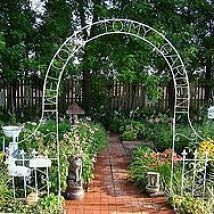 With all the garden pictures I've been seeing here, I got to longing f… :: Hometalk