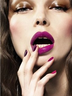ombre nails, burgundy lips and metallic eyes