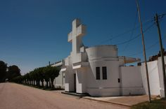 Portal del Cementerio de Saliqueló . Provincia de Buenos Aires . Argentina Foto Gustavo Talon