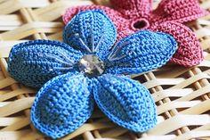 5. free crochet 5 petal flower patterns beginner