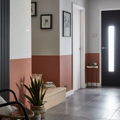 Redecorating your hallway? - Best Home Decor ideas Hall Painting, House Painting, Hall Paint Colors, Hallway Paint, Piece A Vivre, Decoration, Tall Cabinet Storage, Home Goods, New Homes