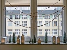 The most beautiful ideas for your window decoration . - The most beautiful ideas for your window decoration - Christmas Ad, Diy Christmas Cards, Christmas Wreaths, Christmas Ideas, Window Sill Decor, Christmas Window Decorations, Diy Crafts To Do, Winter Time, Windows