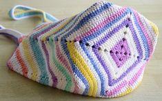 Sweet Multicolor crochet beach bag Colorful crochet market Sweet Multicolor crochet beach bag Colorful crochet market This image has get. Crochet Beach Bags, Bag Crochet, Crochet Shell Stitch, Crochet Market Bag, Crochet Handbags, Crochet Purses, Purse Patterns, Crochet Patterns, Tote Pattern