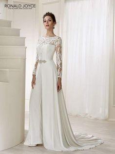The Victoria Jane collection offers elegant romantic wedding dress styles    plus size dresses. Sondra Casilli · abiti da cerimonia f594ab38014