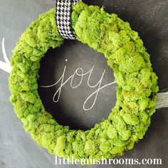 how to make a reindeer moss wreath, crafts, wreaths Christmas Place Cards, Pine Cone Christmas Tree, Quilted Christmas Ornaments, Simple Christmas, Christmas Wreaths, Christmas Crafts, Christmas Decorations, Christmas Ideas, Xmas