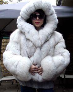 """76 Likes, 3 Comments - I Love Fur ⛄️❄️ (@i_love_fur_nl) on Instagram: """"#fur #furcoat #furfashion #furcollar #lynx #lynxfur #mink #minkfurcoat #minkfur #pellicce…"""""""