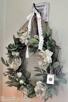 Criativa Mom País: fazer um novo Grinalda bonita com um velho Grapevine Form - Tutorial DIY
