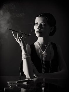 20s style…. what a contrasting shot
