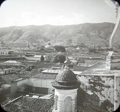 c1905-Venezuela-Caracas-Paris-of-SA-Worlds-Most-Violent-CityPhoto-Lantern-Slide