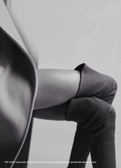 Black and White Photography - Boudoir - Pose - Posing Idea