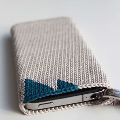 Crochet iPhone Cover 2 -- use nylon size ten thread and add a hook for keychain/purse