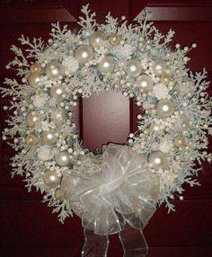 Versatile Shabby Chic Christmas Wreaths That Can Be Used All Year Round I love this! The white and snowflakes are perfect for winter not just Christmas! The white and snowflakes are perfect for winter not just Christmas! Noel Christmas, Christmas Projects, Handmade Christmas, Vintage Christmas, Christmas Ornaments, Handmade Ornaments, Glass Ornaments, Christmas Villages, Silver Christmas