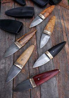 Série malých (cca 16,5 cm)pro každodenní nošení pro ty, kteří nechtějí zavírací nůž, ale velká kudla by jim ve všedním životě zavazela, nebo...