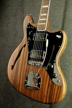 Fender | semi-hollow Jaguar