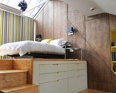 chambre à coucher avec lit en hauteur de design contemporain