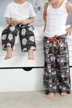 Pants pattern, baby pants, toddler pajamas, pajamas for boys, sewing patter Sewing Projects For Beginners, Easy Sewing Projects, Sewing Hacks, Sewing Tips, Sewing Tutorials, Sewing Ideas, Boys Sewing Patterns, Sewing Basics, Sewing Clothes