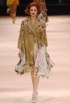 Alexander McQueen: Fall/Winter 2005 Ready-to-Wear